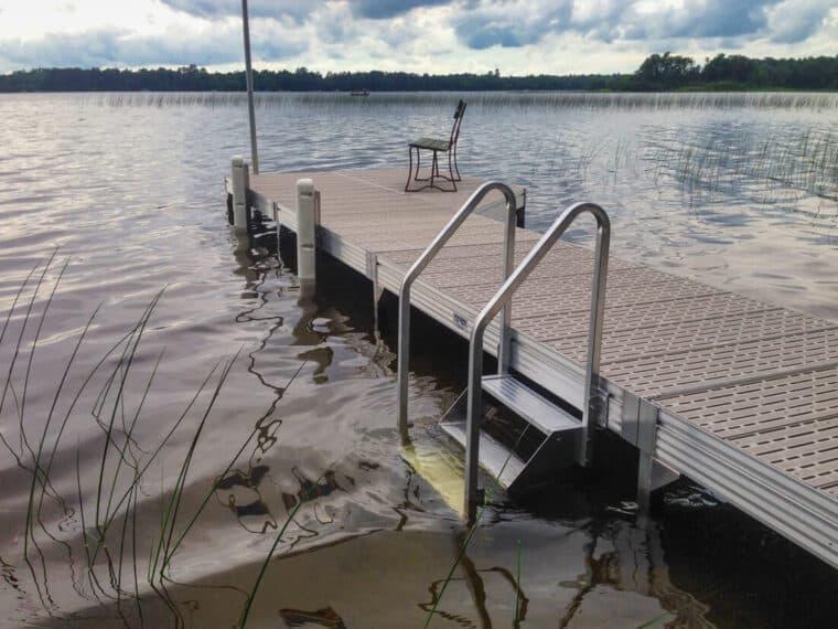 Adjustable Bumpers & Dock Steps on Voyager Dock